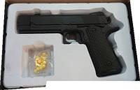 Пистолет с металлическими частями R1