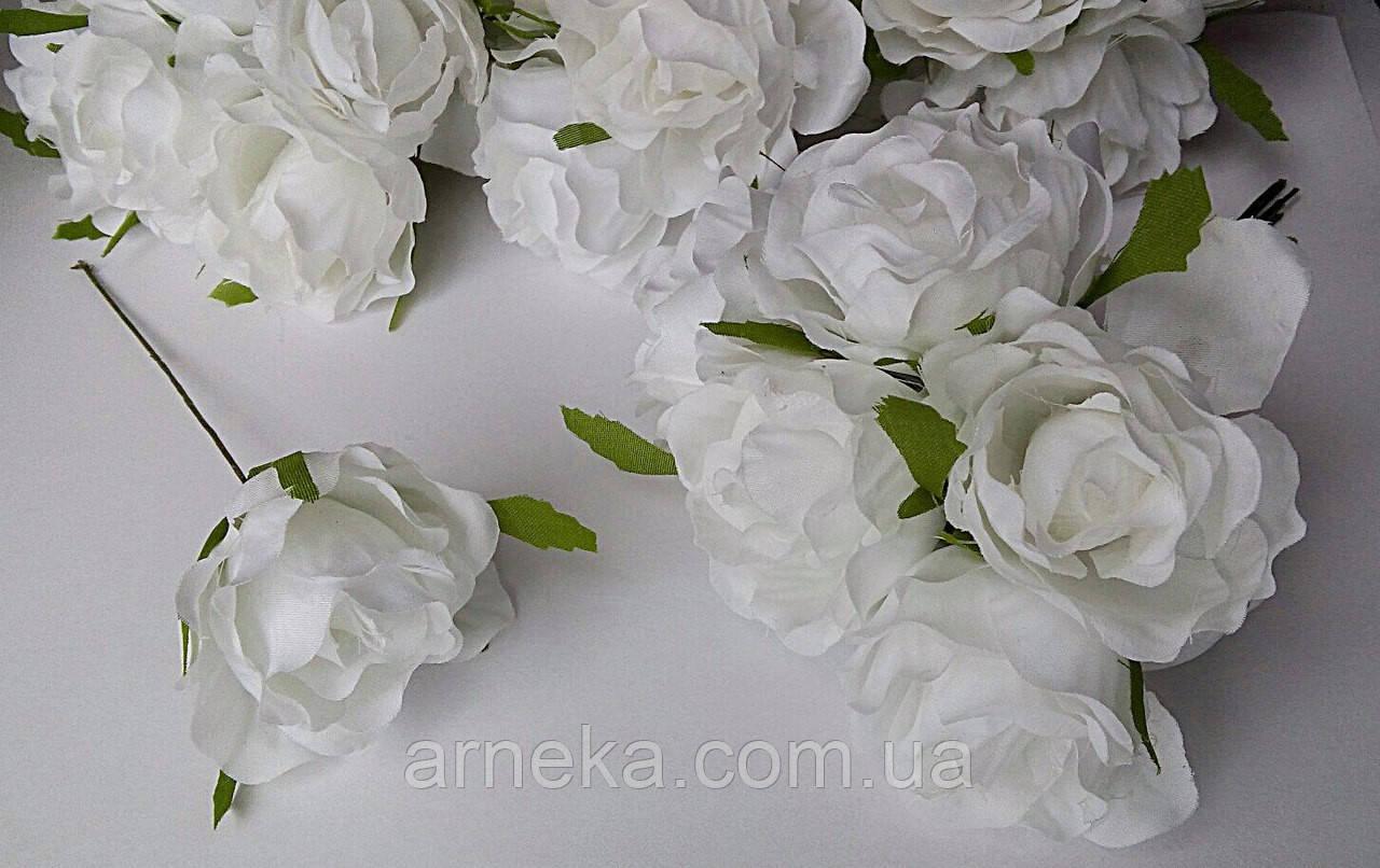 Роза из ткани 4-5 см белая (цена за 1 цветок)