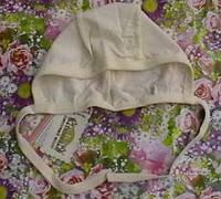 Шапочка детская на завязках кремовая Тигрес, рост 56
