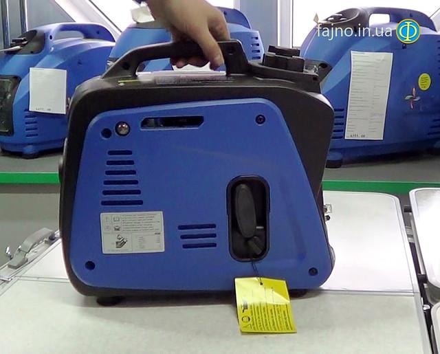 бензиновый инверторный генератор Weekender 950 фото 3