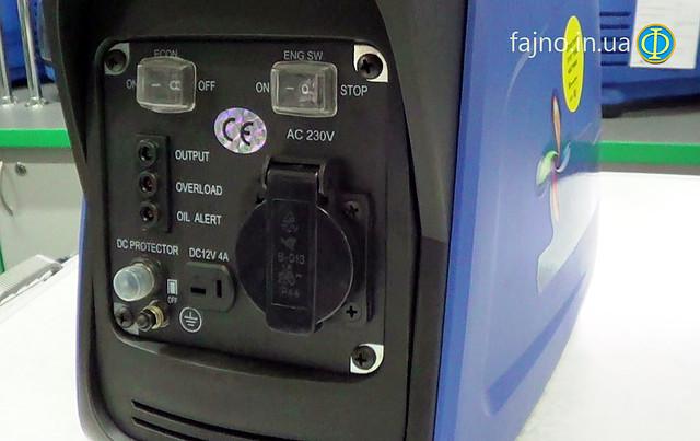 бензиновый инверторный генератор Weekender 950 фото 4