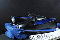Черные женские туфли с синей подошвой
