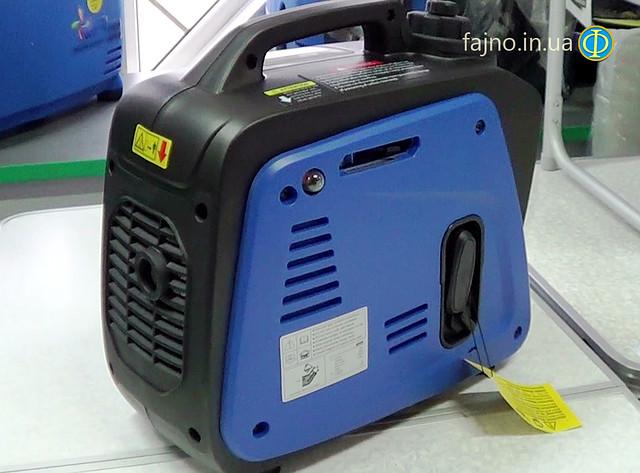 бензиновый инверторный генератор Weekender 950 фото 5
