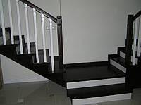 Лестница буковая, дубовая тонированная коричневая белая две стороны закрытая подшитая