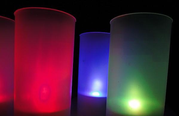 свечи, меняющие цвет свечения