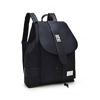 Женский молодежный рюкзак черного цвета.
