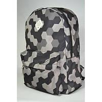 Рюкзак в черно-серые точки