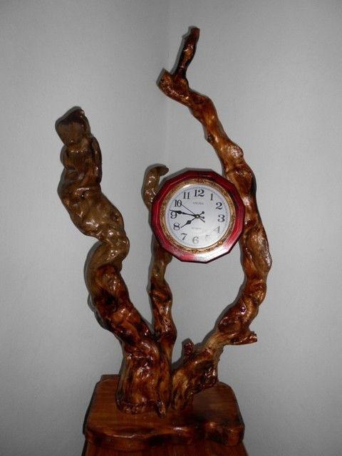 Дерев'яні годинник