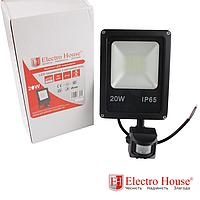 ElectroHouse LED прожектор с датчиком движения 20W IP65 ElectroHouse