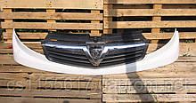 Решетка радиатора 623100248 б/у на Opel Vivaro Vauxhall, Renault Trafic год 2006-2014
