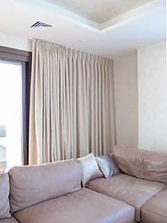 Шторы и декоративные подушки в гостиную
