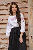 Вышиванка женская с красно-черными цветами