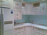 Белая кухня из массива дерева под заказ