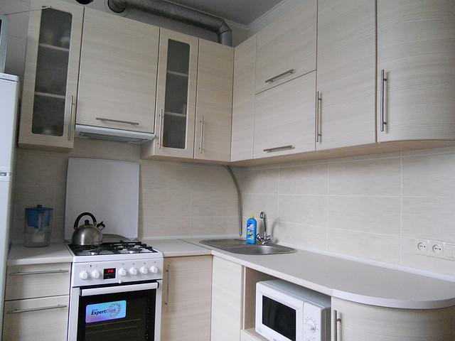 Кухня с радиусными фасадами из МДФ