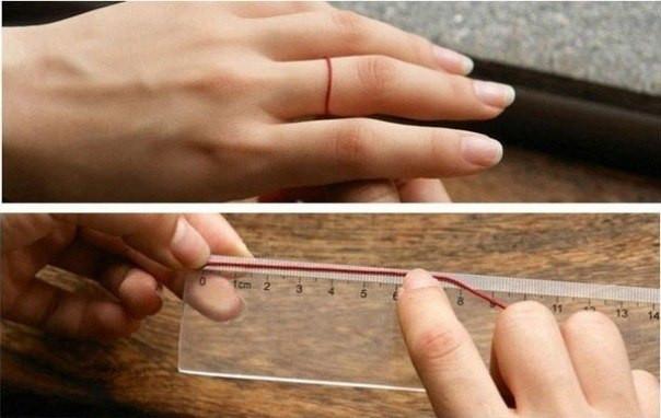 Фото как измерять палец ниткой