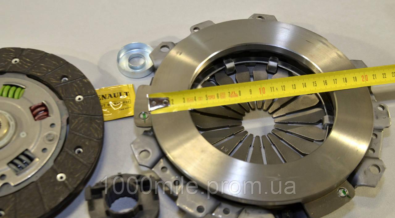 Комплект сцепления на Renault Kangoo 97->2008 1.9D (d=200mm) — Renault (Оригинал) - 7711134857
