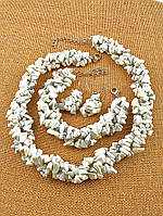 030383 Комплект: бусы из кахолонга (светло-серый), браслет, серьги, Кахолонг натуральный 50 см.