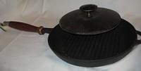 Сковорода-гриль чугунная с деревянной ручкой и прессом диаметр 260 мм,