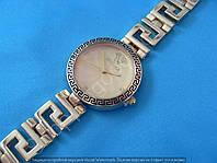 Часы Versace 114269 золотистые женские круглые на  браслете диаметр 3,3 см копия