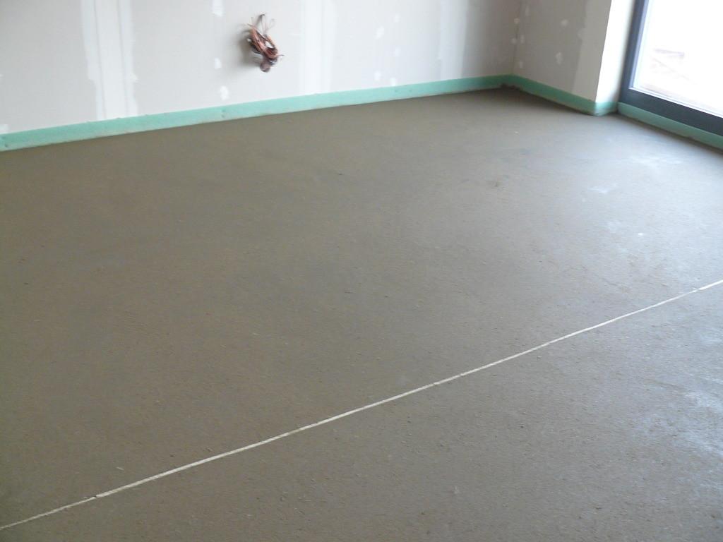 Стяжка:монолитная бетонная,сухая или насыпанная с использованием керамзита