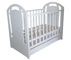 Трия Мишка Медун белая детская кроватка с маятником и ящиком