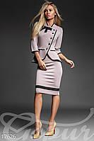 Женский костюм: жакет и юбка.