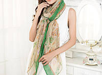 Стильный легкий женский шарф с принтом бежево-зеленого цвета