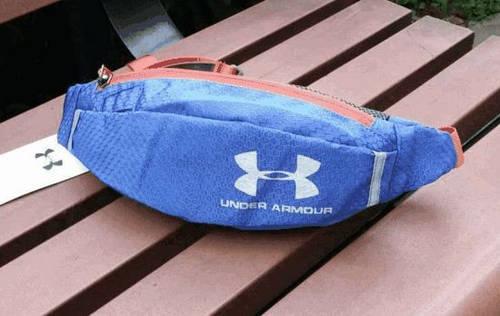 Интересная сумка на пояс Under Armour 157, синий
