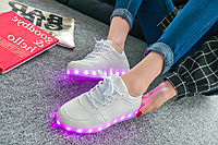 Кросівки світяться. ORIGINAL.