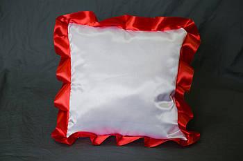 Подушка атласна квадрат, рюш червоний