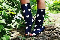 Стильные т.синие с сердечками сапожки с открытым носком