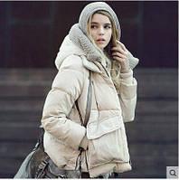 Оригинальная куртка в форме книжки с капюшоном и накладными карманами