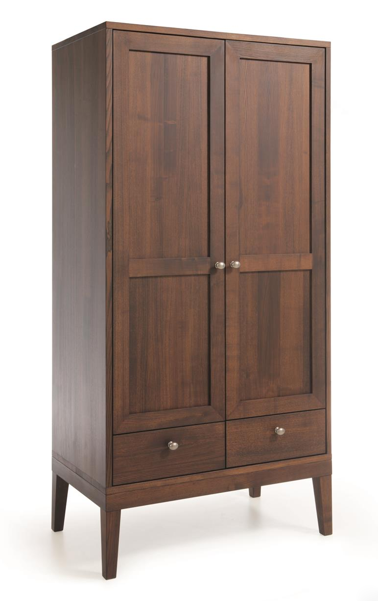 Шкаф из массива дерева 041