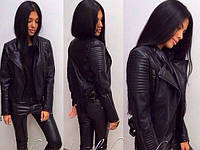 Молодежная короткая куртка из эко - кожи на молнии с воротником с лацканами