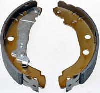 Тормозные колодки барабанные задние Denckermann на Renault Kangoo