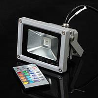 Светодиодный разноцветный прожектор на 20W c пультом дистанционного управления