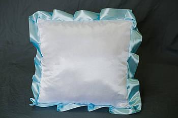 Подушка атласная квадрат, рюш голубой