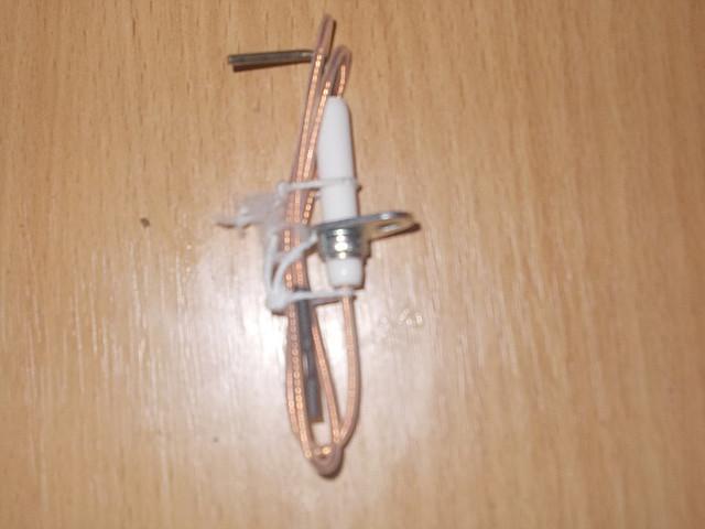 Электрод зажигания Аристон Uno