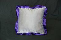 Подушка атласная квадрат, рюш фиолетовый