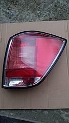Задний правый фонарь Opel Astra H универсал.