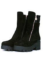 Черные замшевые ботинки на тракторной подошве