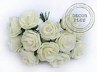 Роза латексная 2-2,5см. Кремовая