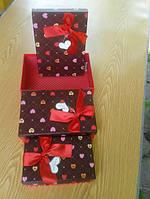 Коробки подарочные вишневые с сердечками и бантиком