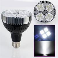 Энергосберегающая светодиодная лампочка на 40W E27