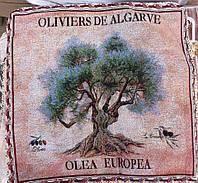 Декоративная наволочка с вышивкой дерево