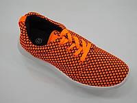 Женские кроссовки яркого цвета  размеры 37,39
