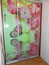 Фасады для шкафов-купе с декоративной обработкой стекла в сборе.
