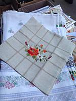 Декоративная наволочка льняная с вышивкой маки