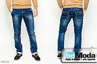 Модные прямые джинсы Luvans с отворотами, декоративными потёртостями и эффектной контрастной выстрочкой синие
