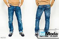 Модные джинсы Luvans прямого кроя с отворотами, декоративными потёртостями и контрастной выстрочкой синие